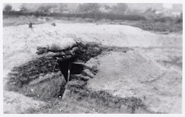 013399 - Tweede Wereldoorlog. Schuilkelder in de Laarstraat, kort voor de bevrijding van Tilburg in oktober 1944