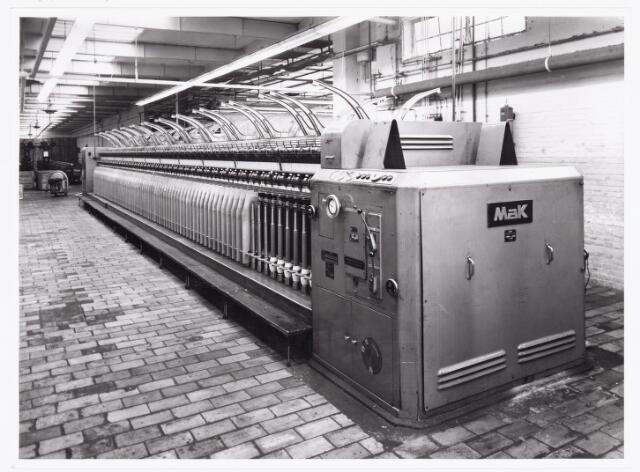 038045 - Textielindustrie. Interieur van de wollenstoffenfabriek André van Spaendonck en zonen.