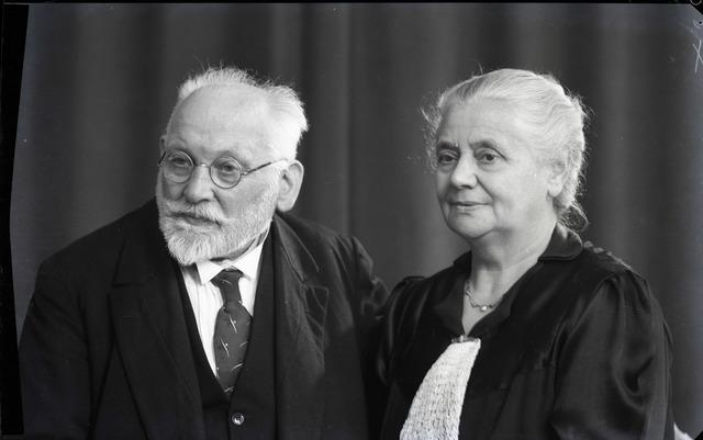 654824 - Privéarchief Schmidlin. Portret van het echtpaar Louis en Johanna Schmidlin-Dubois.
