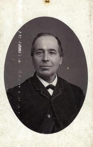 200494 - Henricus Cornelis Vorselaars geb. 06-07-1829 Tb., ovl. 23-07-1901 Tb. Hij was gehuwd  met Wilhelmina Aldegonda Schaap.