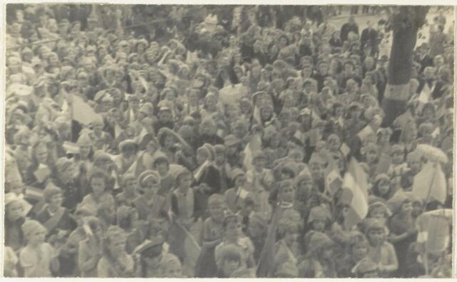 90869 - WOII; WO2: Made en Drimmelen. Bevrijdingsfeest 1945