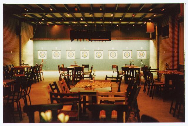 """063586 - Achter het Café Concordia aan de Burgemeester Brendersstraat 3 werd op 11 januari 1985 een zaal geopend ten behoeve van de handboogvereniging """" De Meijerijérs """""""