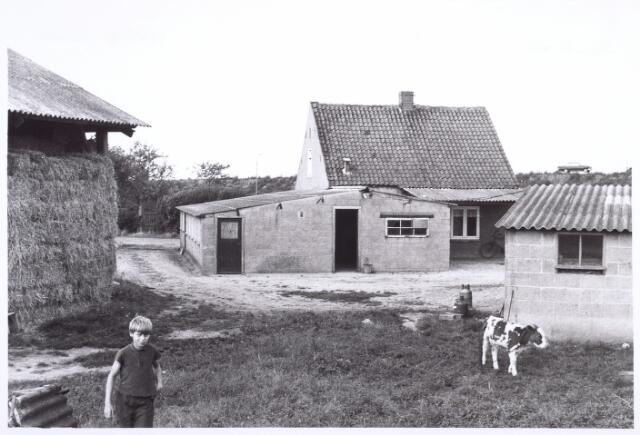 017850 - Erf van de boerderij Boogstrat 8 (thans Dr. Hub. van Doorneweg) anno 1971