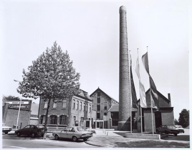 019281 - Voorzijde van het Nederlands Textielmuseum, gevestigd in een deel van het complex van de voormalige wollenstoffenfabriek C. Mommers