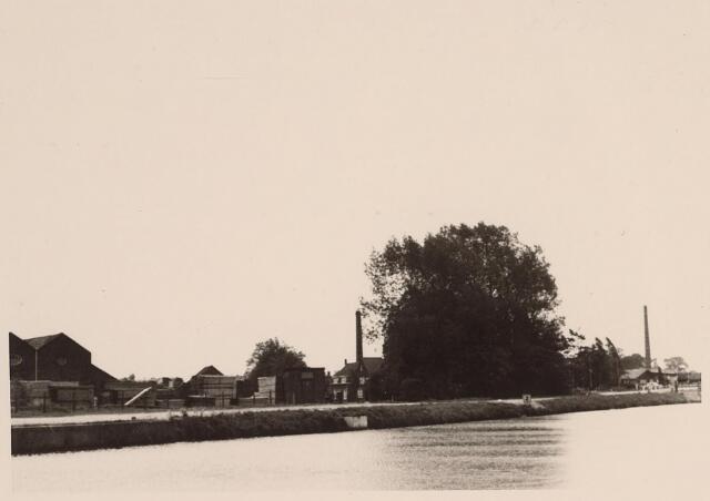 026035 - Steenfabriek Stevens aan de Lovense Kanaaldijk, gelegen nabij de Enschotsestraat, eind mei 1967