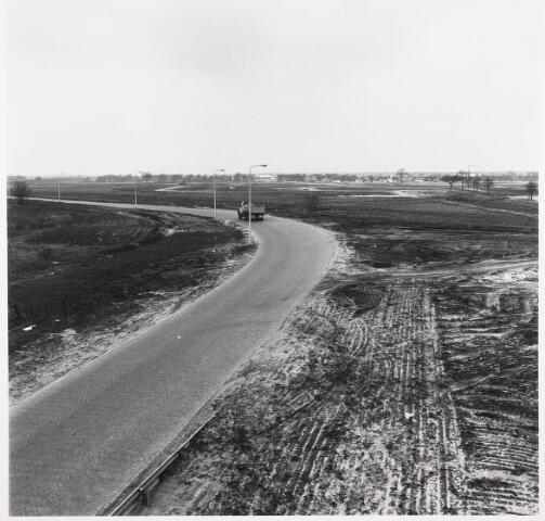033732 - Overzicht van  de pas aangelegde Vaartlaan, voorheen Dr. Huub van Doorneweg