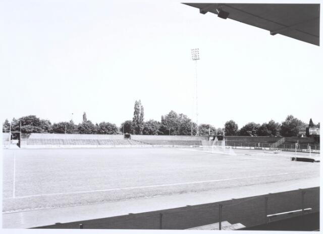 019762 - Staantribunes in het gemeentelijk sportpark aan de Goirleseweg