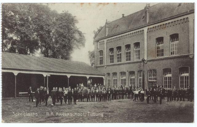 000489 - Onderwijs. Speelplaats R. K. Kweekschool. St. Stanislaus, verbonden aan het moederhuis van de fraters van Tilburg aan de Gasthuisstraat.