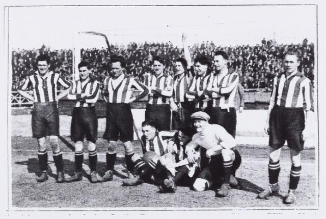 054033 - Sport. Voetbal. Willem II. Elftalfoto WILLEM II 1923