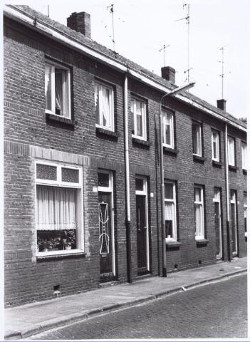 017186 - Panden Capucijnenstraat 209 (rechts) en 211a (links)