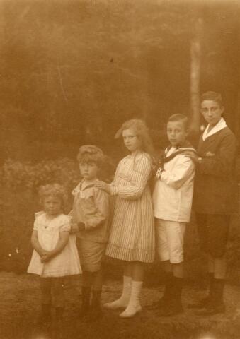 600695 - Kasteel Loon op Zand. Families Verheyen, Kolfschoten en Van Stratum