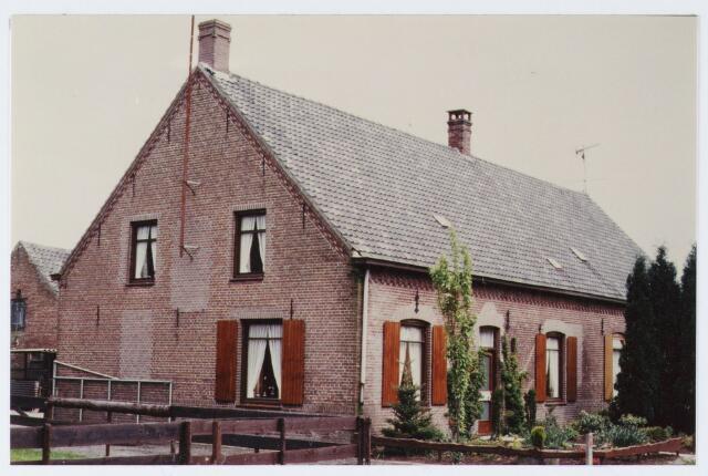 062873 - Twee onder één kap woningen aan De Kraan 82 en 80