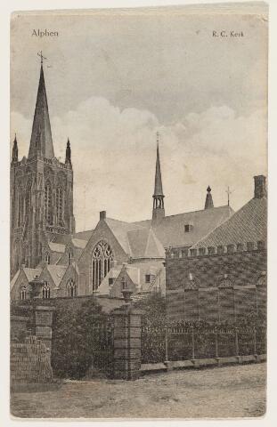 065224 - De R.K. kerk St. Willibrordus in Alphen is gebouwd tussen 1559-1560; nadat deze eerst in handen van de protestanten was is ze later overgegaan in katholieke handen; er zijn regelmatig herstellingen gedaan in de periode 1885-1910; de boven romp van de toren is verwoest op 3 oktober 1944 en het duurde tot 1968 voordat de toren weer geheel hersteld was