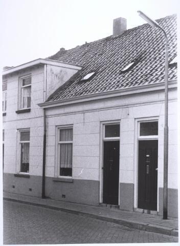 022645 - Pand Hoogtedwarsstraat 10 (midden) begin 1973