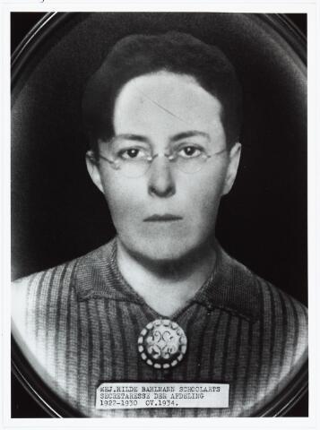 006428 - Secretaresse van de afd. geneeskunst (mevrouw Bahlmann)