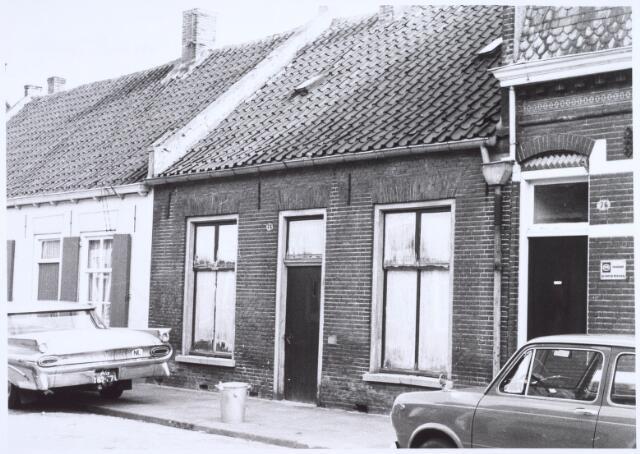 022523 - Slooppand in de Van Hogendorpstraat in april 1968