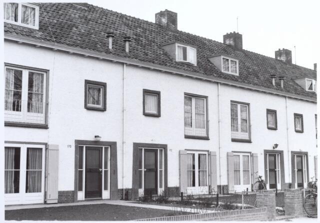 015937 - Panden Bosscheweg 170, 172 en 174 (van links naar rechts) anno 1959