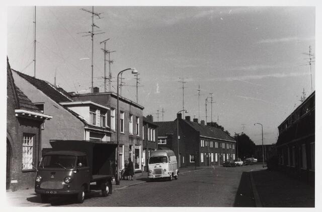 028139 - Woningen aan de Pastoor Smitsstraat 21 tot en met 25 enz.