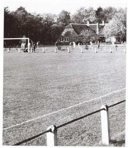 052689 - Sportpark Westend; voetbalveld en boerderij