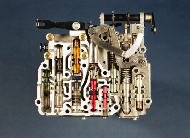 D-000123-1 - Van Doorne's Transmissie, thans Bosch Transmission Technology, aan de Dr. Hub. van Doorneweg, 1988-1991.
