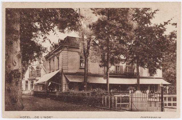 """057508 - De Lind. Hotel """"de Linde"""". In de jaren twintig van de vorige eeuw van bestemming gewijzigd. Het werd toen pastorie van Johannes parochie."""