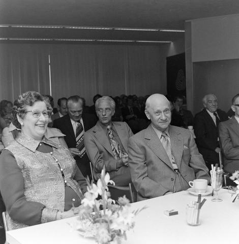 1237_012_991-1_001 - Viering van een jubileum van textiel firma Van Besouw b.v. bij restaurant Boschlust in Goirle in juni 1974.