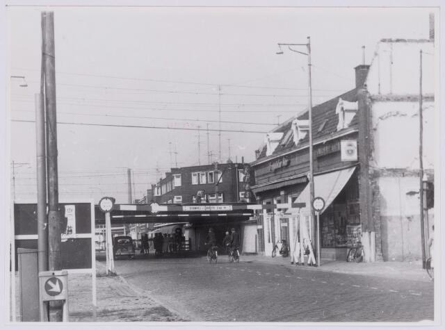 037263 - Spoorwegen: Hoogspoor (viaduct Heuvel)