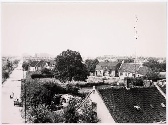 036608 - Panorama van Tilburg vanaf het viaduct aan de Ringbaan-West (Alleenhouderstraat)
