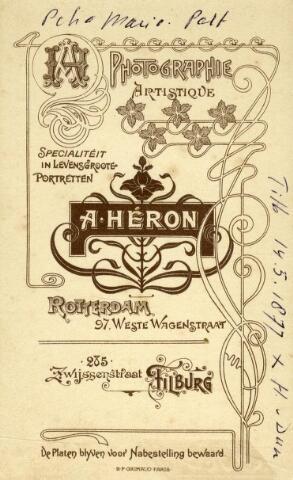 602416 - Achterzijde van een carte-de-visiteportretje uit de fotostudio van de Tilburgse vestiging van Heron. Adolf Heron had een fotostudio in Rotterdam, de vestiging in Tilburg werd beheerd door de fotografen Heron en Berssenbrugge.