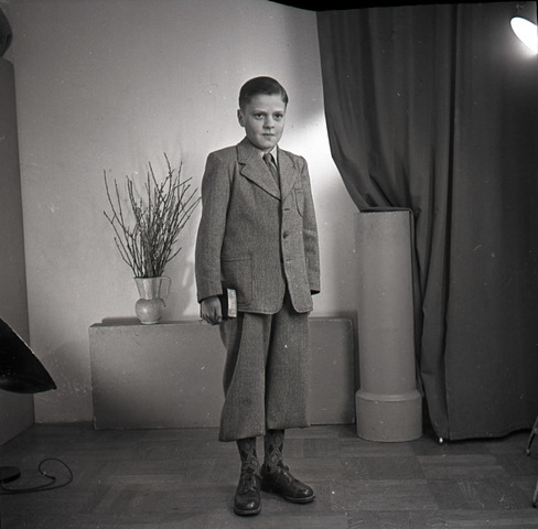 654389 - Portret van een jongen.