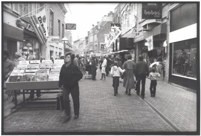021962 - Heuvelstraat ter hoogte van de Willem II-straat in de richting van de Heuvel