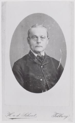 046036 - Wever Adrianus van Iersel, zoon van Peter van Iersel en Johanna van de Laar. Hij werd geboren te Goirle op 24 januari 1838 en overleed aldaar op 8 september 1898. Hij trouwde met Wilhelmina de Volder.