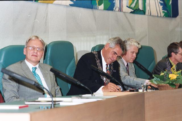 1237_010_763_021 - Installatie burgemeester Stekelenburg als burgemeester van Tilburg.
