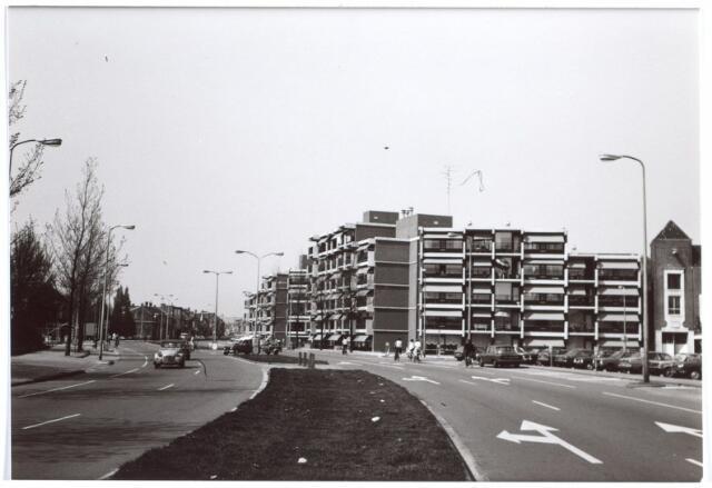 014986 - Besterdring, gezien vanuit het NS-plein.