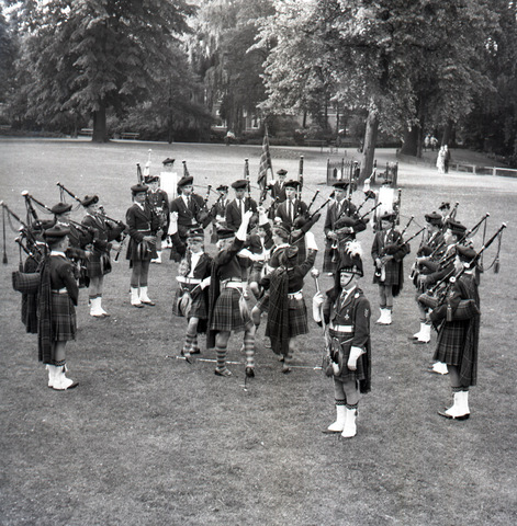 "654549 - Cultuur. Doedelzakband ""de Scotjes""."