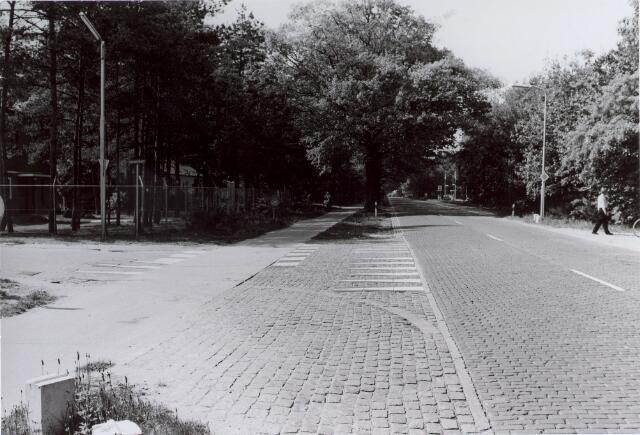 014136 - Dongenseweg, gezien vanuit de richting Tilburg, met linksonder de Albionstraat