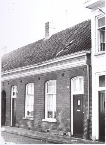 017661 - Panden Van Doorenstraat 28 (links) en 30 (rechs). Woning van broer en zus Meulensteen.