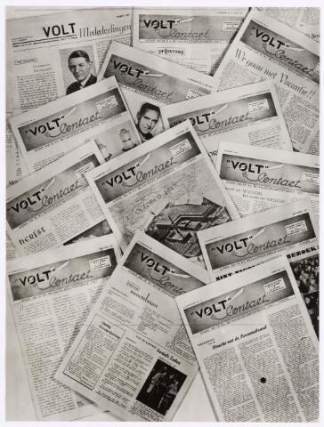 """039111 - Volt, Zuid.Jubileum. Deze foto is gemaakt in februari 1957 n.a.v. het 10-jarig bestaan van het bedrijfsblad """"Volt Contact""""."""