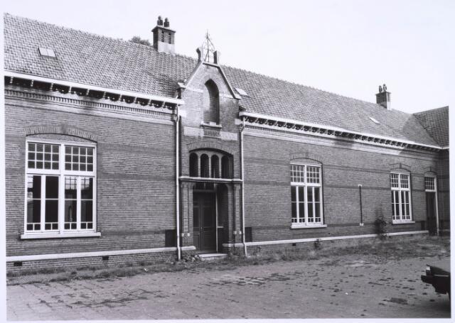 022690 - Kleuterschool aan de Hoogvensestraat in oktober 1985