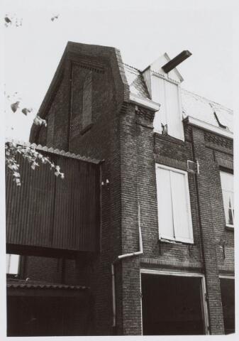 019481 - Gevel van een pakhuis van de firma Simon de Cock aan de Goirkestraat