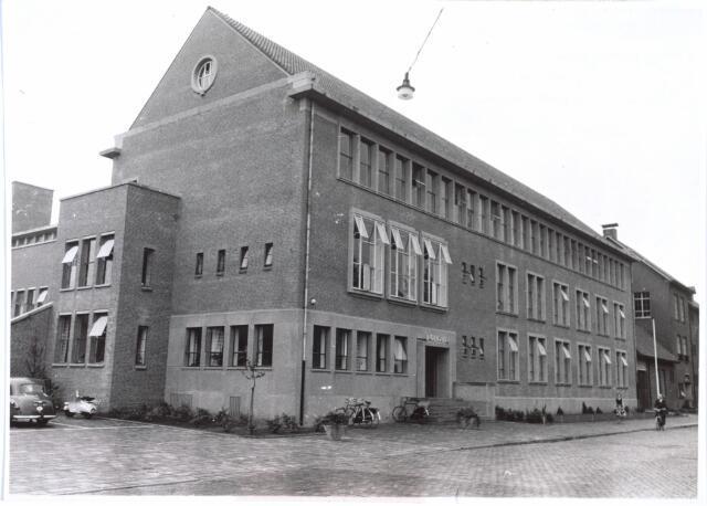 027161 - Hoofdbureau van Gemeentepolitie hoek Noordhoekring / Lange Schijfstraat. Architect W. Vintges
