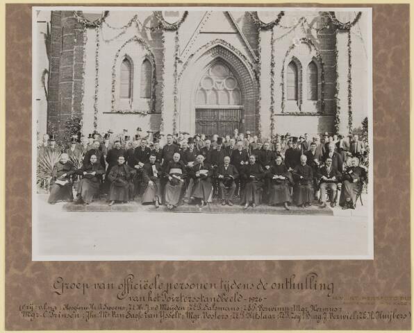 075452 - Onthulling standbeeld Pater Poirters (1926).  voorste rij vlnr: Hoogeerw hr. A. Sweens, Z.E. Hr. J. van de Meijden, Z.E. P. Salsmans, Z.E. P. Verwimp, Mgr. Hermus, Mgr. C. Prinsen, Jhr. Van Sasse van IJsselt, Mgr.  Vosters, Z.E. P. Kitslaar, Z.E. J. Zeij, Burg. J. Verwiel, Z.E. H. Huijbers.