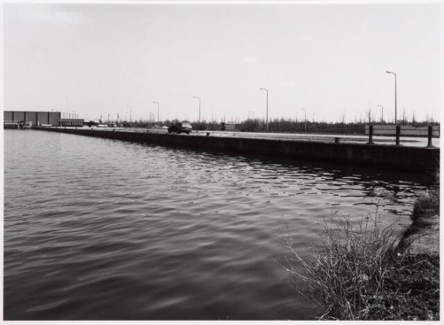034816 - Industriehaven aan het Wilhelminakanaal