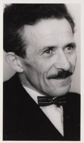 101093 - Z. Pietruszka. Kunstenaar uit Oosteind.