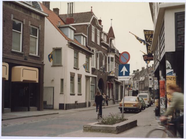 026820 - Nieuwlandstraat gezien vanuit de Tuinstraat