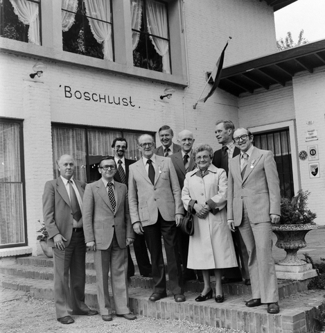 1237_012_988_005 - Viering van een jubileum van textiel firma Van Besouw b.v. bij restaurant Boschlust in Goirle in mei 1978.
