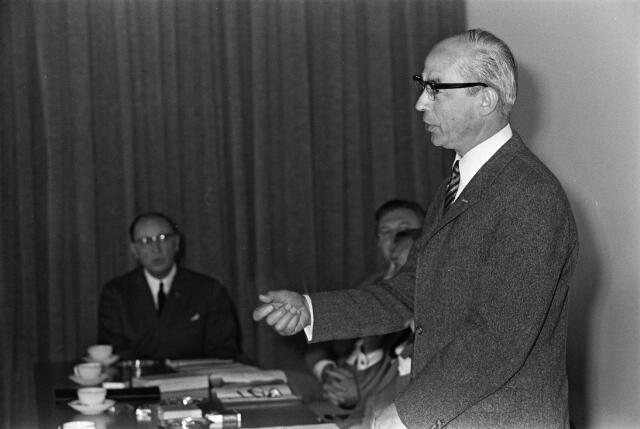 050814 - Overdracht voorzittershamer bureau mr.dr. B.J.M. van Spaendonck te Tilburg.