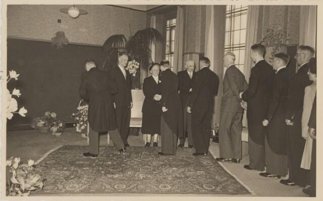 085284 - Dongen. Receptie t.g.v. 40 jarig ambtsjubileum gemeentesecretaris Jan Vlaminkx.