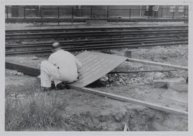 037236 - Spoorwegen: Overweg Heuvel en aanleg viaduct