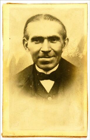 054580 - A. Meeuwesen, bestuurslid melkfabriek Ulicoten.
